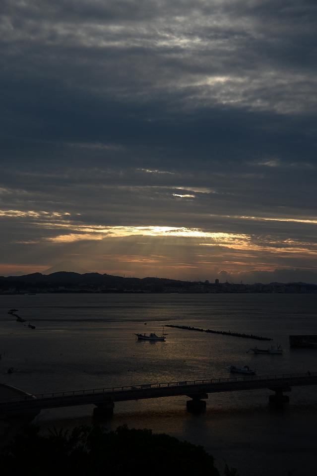 20 夕日と富士山.jpg