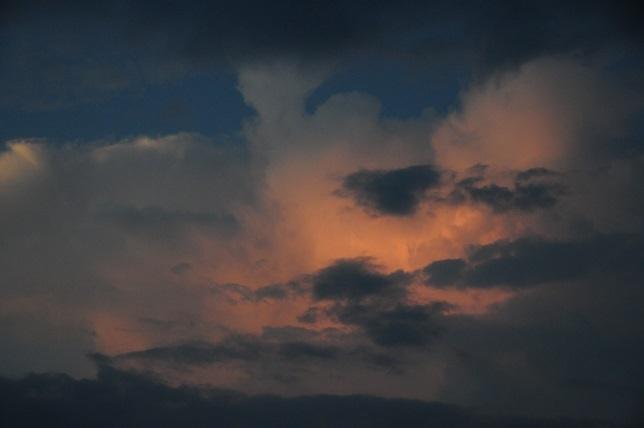 2明け方の雲.jpg