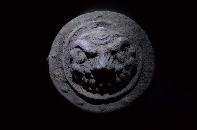3漢時代 煉瓦 獣面紋瓦当.jpg