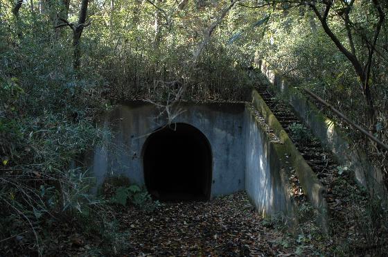 トンネル小.jpg