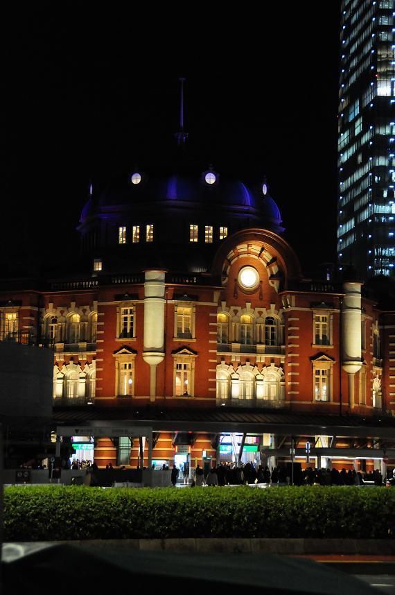 16東京駅イルミ.jpg