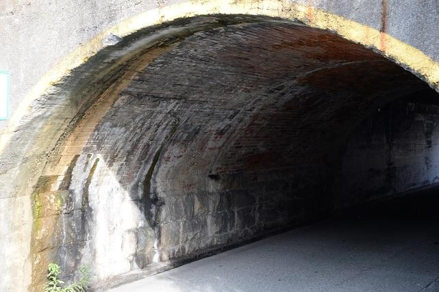 18茨木橋梁2右.jpg