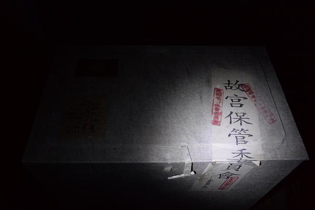 1唐三彩 彩色釉 駱駝俑 箱.jpg