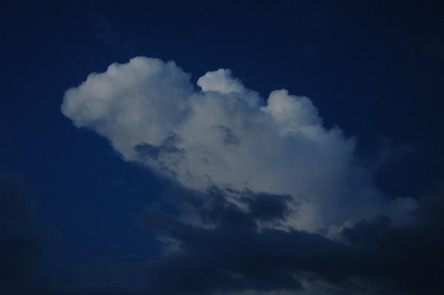 1明け方の雲.jpg