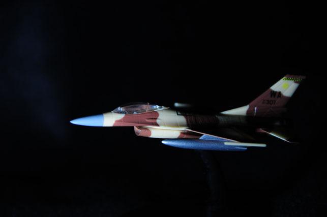 20 F16.jpg