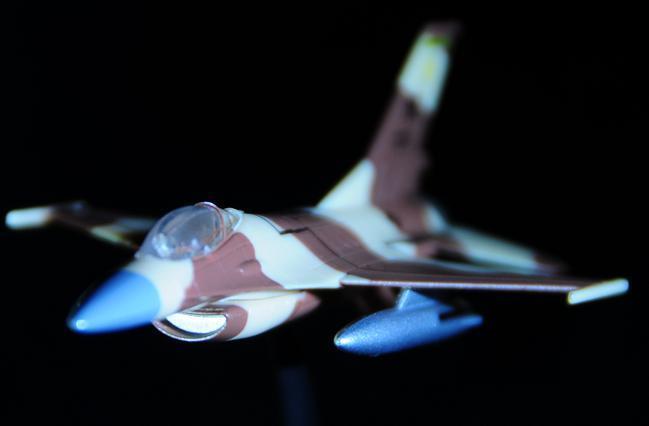 22 F16.jpg