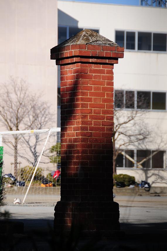 41由井小学校.jpg