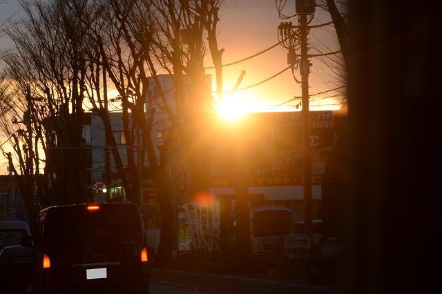 8浦所街道からみた夕日.jpg