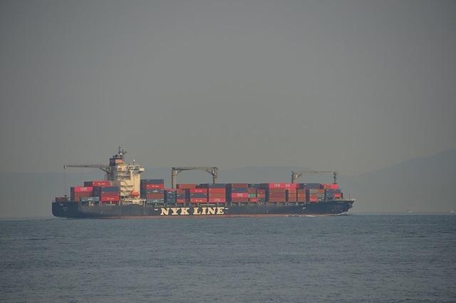 9紀淡海峡を外洋に出ていくコンテナ船 190419_080433.jpg
