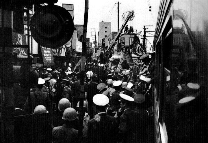 東横線上目黒第一踏切事故.jpg